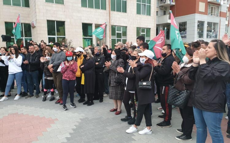 Takim i Z. Doshi me banorët e njësisë 2 në Tiranë